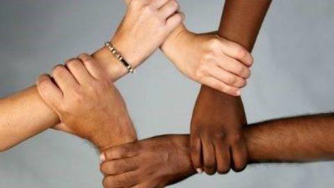 [Alimentano l'odio] Sondaggio Demos, con Pd e M5s aumenta il razzismo