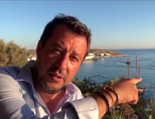 """Salvini non ne può più e replica a Salvatore Martello: """"Gli italiani hanno le pal** piene di vedere sbarcare nullafacenti"""""""