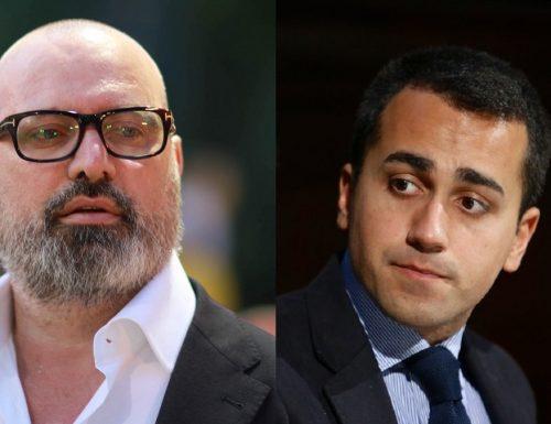 """I grillini ci riprovano con la guerra al PD. Questa volta contro Bonaccini: """"gravi attacchi al meridione"""". Fanno così, poi si genoflettono"""