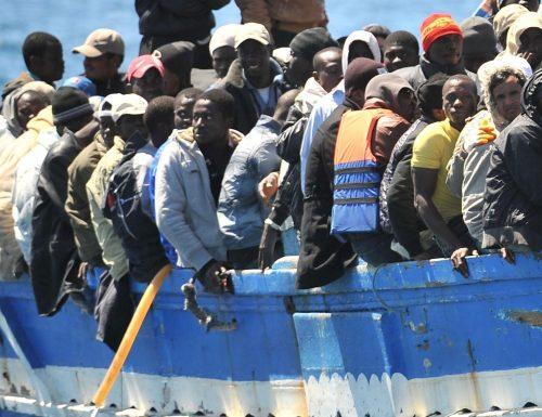 """In Italia, """"vietato riportarli indietro"""", roba che neanche nei film horror.. Migranti, i pm invece di ringraziare, processano la nave che ha riportato i clandestini in Libia. Assurdo!"""