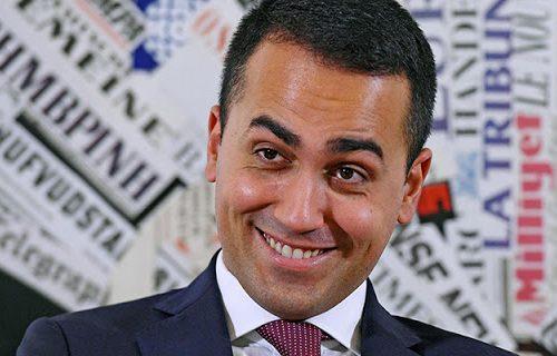 """Di Maio sperpera soldi pubblici in piena crisi economica, spende 5 miliardi per la cooperazione. Delmastro: """"Basta! Si usino per gli italiani"""" [Video]"""