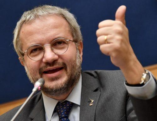 """La carta di musica in mano ai calzolai. Decreto Rilancio, Claudio Borghi: """"Palazzo Chigi ha sbagliato i conti di 100 milioni"""", mancano le coperture. Si dimettano subito"""