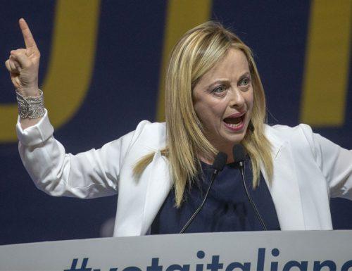 """Basta sperpero di denaro della fronte degli italiani. Giorgia Meloni: """"I soldi degli italiani non si buttano per pagare le consulenze dei ministri"""""""