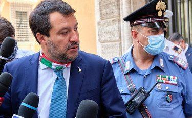 """[Boom] Tanto tuonò che piovve, Matteo Salvini denuncia Giuseppe Conte: """"Favoreggiamento dell'immigrazione con l'aggravante del Covid"""""""