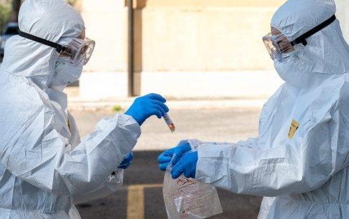 Il virus riprende forza: 552 contagiati