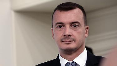 Ecco come Rocco Casalino vorrebe bruciare inutilmente 100 miliardi di euro