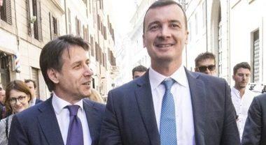 """Parlamentari 'pezzenti' del bonus, Alessandro Sallusti: """"A occhio questa è un'invenzione di quel genio di Rocco Casalino"""""""