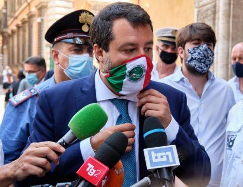 """Matteo Salvini smonta pezzo pezzo la Lamorgese, e tuona: """"mette in pericolo l'Italia"""""""