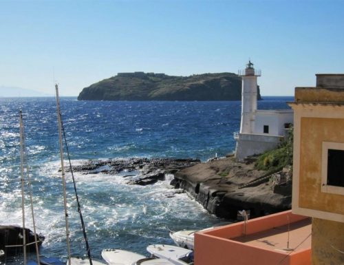 [Boom] Coronavirus, sull'isola è panico: un positivo a Santo Stefano in Sardegna, 450 persone in quarantena