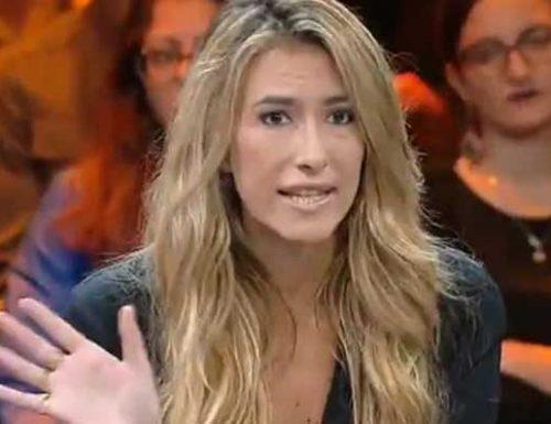 """Annalisa Chirico ai 5 parlametari 'pezzenti' che hanno preso il bonus 600 euro: """"Cinque indecenti, ma la colpa è del governo"""". [Video]"""