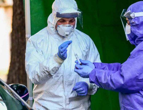 Coronavirus: casi stabili, calano i decessi. Contagio zero solo in tre regioni