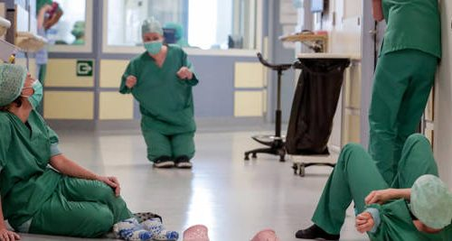 """[Boom] Scoppia  la rivolta degli infermieri: """"Scendiamo in piazza contro Conte, siamo stati presi in giro"""""""