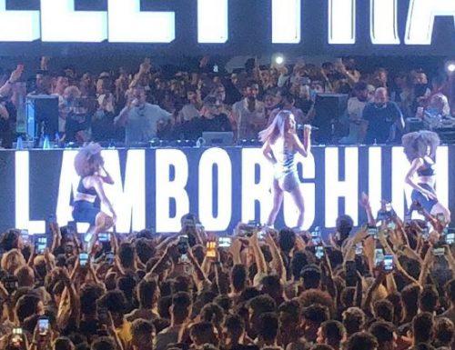 """Cosa si aspettava, Elettra Lamborghini, il concerto al Praja di Gallipoli: """"Una bomba-contagio"""""""