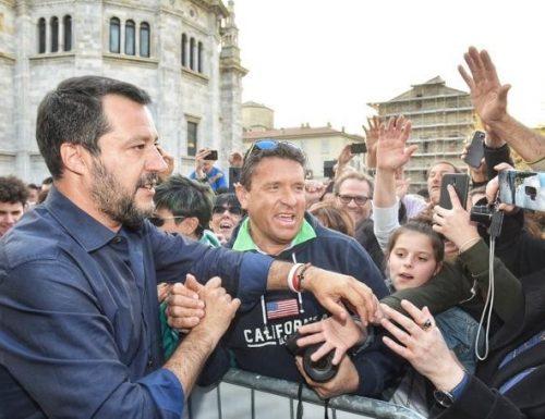 """Salvini ai comunisti di Bella Ciao: """"Mi avete rotto le scatole, andate a lavorare in cantiere"""""""