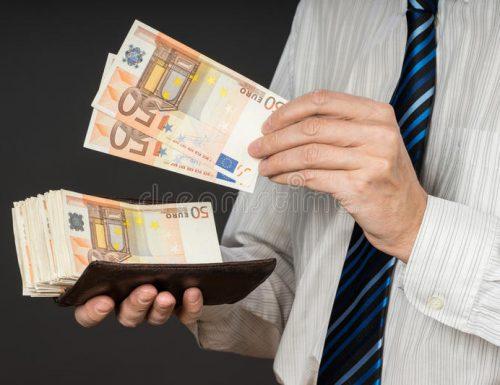 Senza vergogna Partita Iva, ecco i 5 parlamentari e il conduttore tv, 'pezzenti' che hanno incassato il bonus da 600 euro