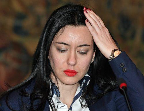 """Concorso, tira e molla sindacati-Azzolina. """"Stop alle prove"""". La ministra: """"Sono in sicurezza"""""""