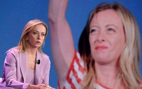 """Meloni eletta alla guida dei Conservatori e riformisti europei: """"Ora guido i sovranisti in Europa, dimostreremo che si può stare in Ue a testa alta"""" [Video]"""