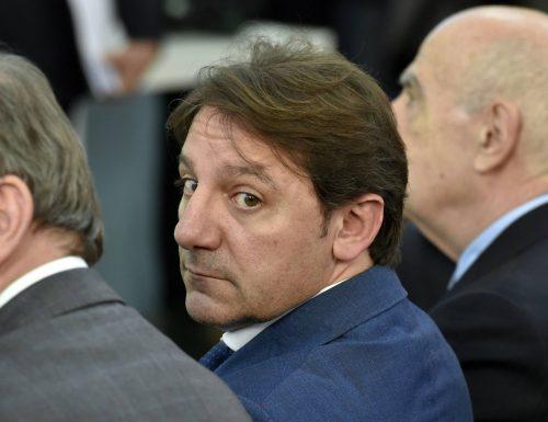 """Mario Giordano senza pietà: """"ecco perché Tridico deve lasciare. Sapete quanti sono gli immobili Inps lasciati vuoti?"""""""