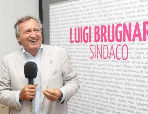 Venezia, trionfo assoluto per il centrodestra: Brugnaro rieletto sindaco al primo turno