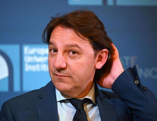 Vergogna senza precedenti all'Inps, il presidente grillino Pasquale Tridico si è aumentato lo stipendio, con gli arretrati, mentre gli operai muoiono di fame. Le cifre di un caso politico