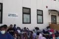 Migranti, Musumeci sputtana i comunisti radical chic: ecco l'hotspot di Lampedusa. Roba mai vista prima [Video]