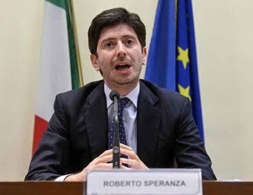"""Il leader della Lega Matteo Salvini a valanga contro Speranza: """"Io piccolo uomo? Rispondi ai parenti di chi è morto per coronavirus"""""""