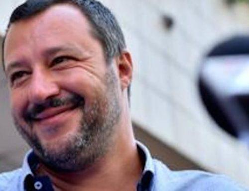 """Lo sfotto di Salvini per il processo farsa: """"Non è vero che la giustizia non funziona. Per me aprono il tribunale di sabato…"""""""