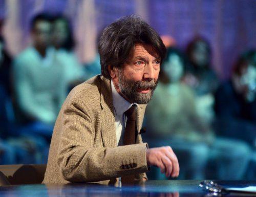 """Massimo Cacciari difende la Lega: """"Basta putt***, chi usa il coronavirus contro qualcuno è squallido"""""""