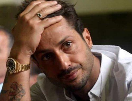 Fabrizio Corona non regge più il carcere e minaccia il suicidio: deve scontare altri 9 mesi