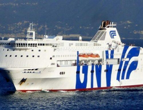 """Coronavirus, scoppia un caso diplomatico tra Francia e Italia: il traghetto della italiana Gnv bloccata dalla Francia: """"5 casi a bordo, non potete sbarcare qui"""""""