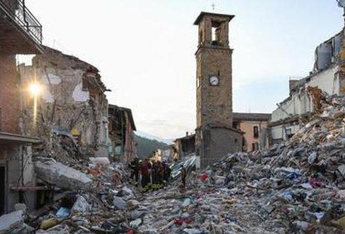 Oltre al danno la beffa: i terremotati dell'Italia Centrale devono pagare l'Imu sulle case distrutte