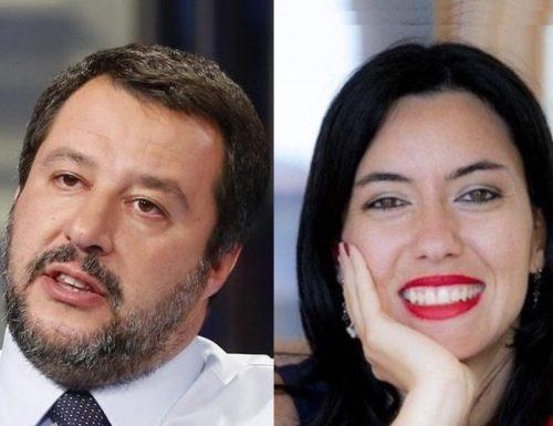 """Salvini umilia  Azzolina: """"Sono arrivati i banchi a rotelle. Ora che non servono più"""""""