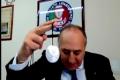 La sinistra lancia l'amuleto anti-Covid sponsorizzato dal consulente di Emiliano (ma dove si appende? Roba da pazzi) Video
