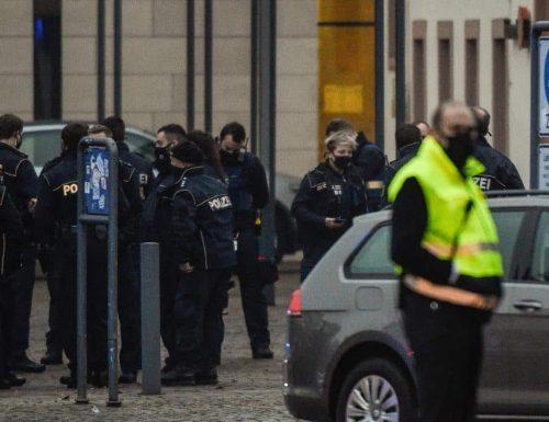 Germania, altro folle attentato: auto sulla folla: 4 morti, anche un bambino, e decine di feriti