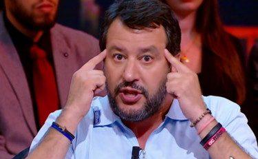"""Salvini asfalta Conte a Quarta repubblica: """"ha la faccia multicolor. Non arriva alla maggioranza assoluta"""""""