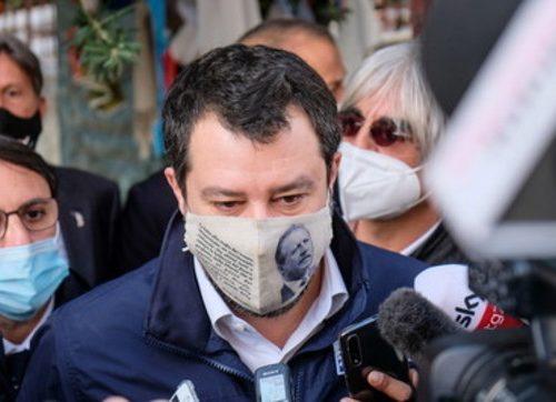 """Disastro di governo, Salvini non le manda a dire: """"Basta giochi di palazzo, siamo al disastro: la parola vada agli italiani"""""""