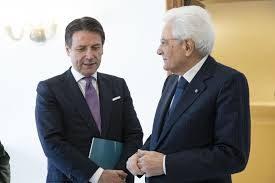 """In ginocchio da te, Conte incontra Mattarella: """"Fai un ultimo sforzo"""". E al Premier l'idea non dispiace"""