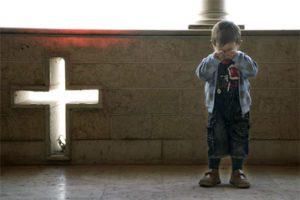 """Il dramma e quella vita spezzata dei bambini cristiani perseguitati, costretti a tutto… """"AIUTIAMOLI"""""""