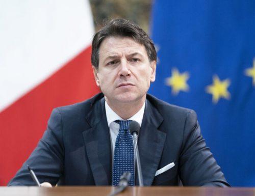 """Le correnti, Conte: """"Non entro nel governo, voi fatelo"""". Lezzi e Toninelli: """"È un suicidio"""""""