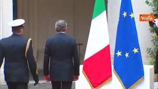 Draghi europeista puro sangue: sbaglia il cerimoniale e non si ferma davanti al Tricolore (partiamo male)