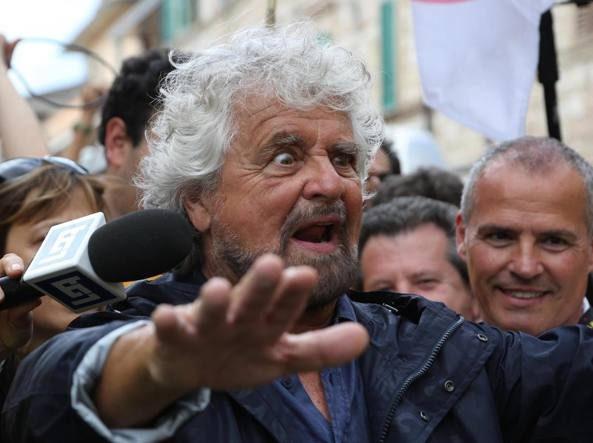 M5S alla canna del gas, chiamate un esorcista, Grillo è posseduto. Crimi rinvia il voto su Rousseau