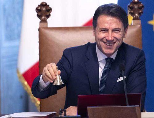 """L'ex Premier Conte non va a casa, resta attaccato alla """"casta"""", sarà candidato alle suppletive a Siena supportato dal trio Pd-M5S-Leu"""
