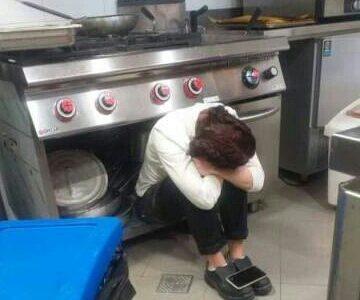 """Il Covid mette in ginocchio i ristoratori italiani, Giorgia Meloni posta la foto della ristoratrice disperata: """"Provo sdegno, situazione inaccettabile"""""""