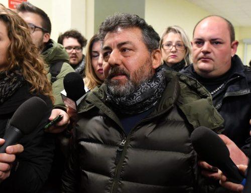 """Disposizioni Covid, vergogna italiana: """"Volevano anche arrestarmi"""". La rabbia del papà multato per aver portato i fiori al figlio morto a Rigopiano"""