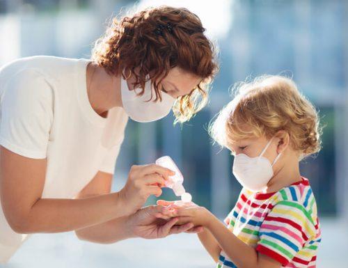 """Covid, aumentano i contagi: 20.884. L'allarme dei pediatri: """"Bambini obesi 3 volte più a rischio"""""""