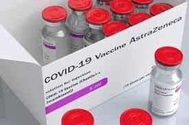 """Vaccino Astrazeneca, fanno la prima dose e poi si vedono ritirare il lotto: """"i sintomi sono pesanti"""". Temono il richiamo a maggio"""