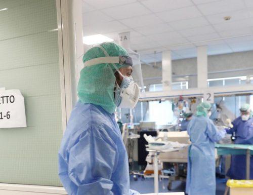 """Terapie intensive al collasso, il primario del Fatebenefratelli: """"Siamo al collasso, dobbiamo scegliere chi salvare"""""""