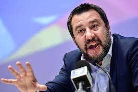 """Salvini suna la carica su Facebook: """"Dopo Pasqua, si riapra tutto"""". La replica degli internauti: """"Basta chiacchiere, devi convincere Draghi, non noi sui Social"""""""