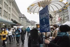 """Ristoratori in piazza contro il governo: """"Speranza ci dica chiaro se vuole ucciderci del tutto"""""""