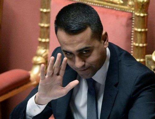 Chi l'ha visto?  Da quando c'è Draghi, Di Maio si è nascosto: non si vede e non si sente